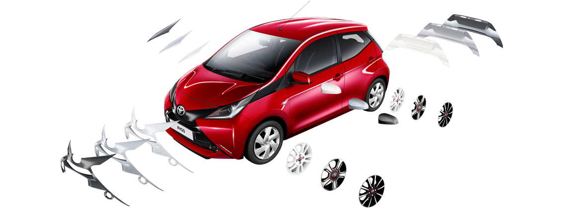 AYGO Red Pop exterior with accessories