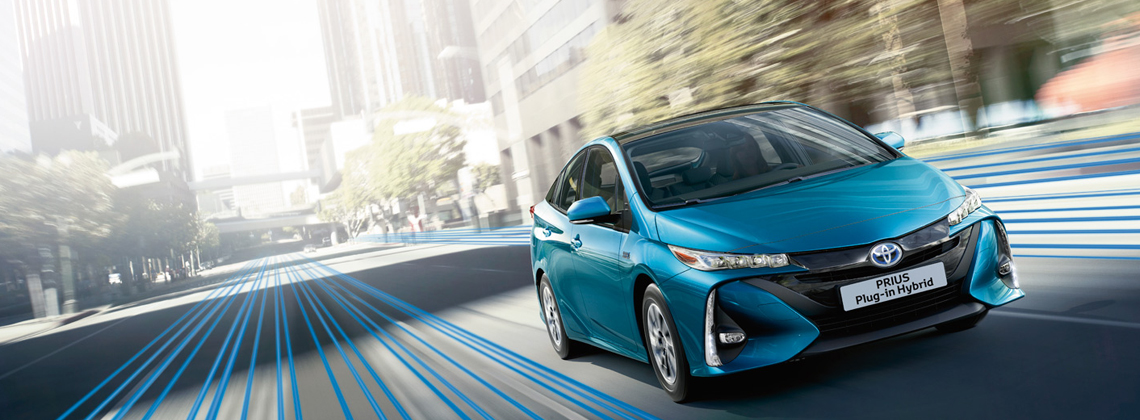 Prius Plug-in Hybrid wins 2017 World Green Car Award