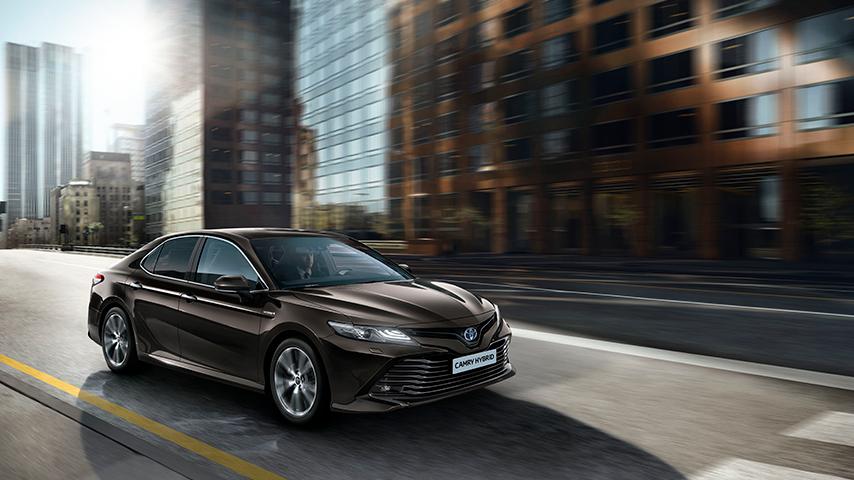 d3d9dc6e26 Toyota Camry sa vracia do Európy s novým hybridným pohonom